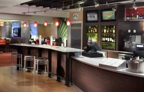 courtyard-marriott-miami-downtown-brickell-bar-grill