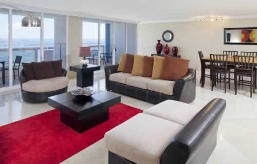 doubletree-hilton-grand-hotel-biscayne-bay-bedroom-suite