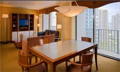 hyatt-regency-miami-balcony-suite