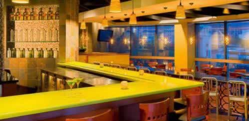 hyatt-regency-miami-bar-night-life