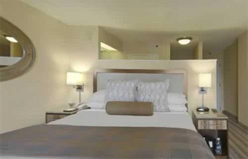 hyatt-regency-miami-bedroom