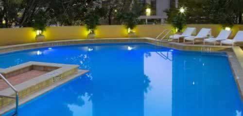 hyatt-regency-miami-pool