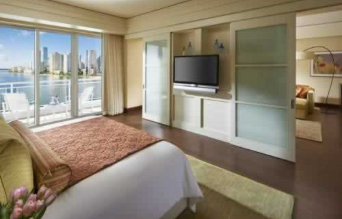 mandarin-oriental-miami-waterfront-balcony-bedroom