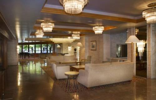 river-park-hotel-suites-lobby