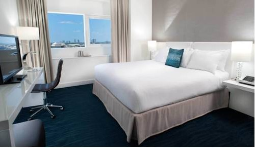 yve-hotel-miami-cruise-port-bedroom
